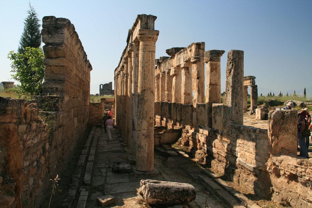 12 Hierapolis Latrine sm