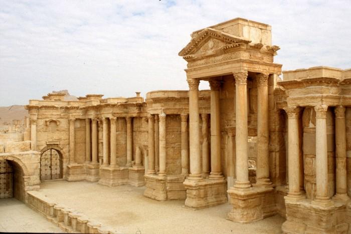 16 Palmyra Theaterl