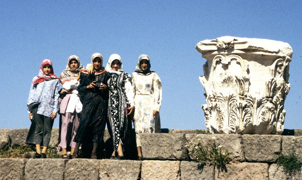 17. PergamonHeadscarves